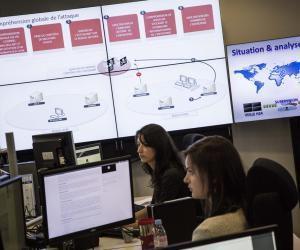 Lors d'une cyberattaque, l'ANSSI (Agence nationale de la sécurité des systèmes d'information) assure la sécurité informatique en faisant appel à des experts en gestion de crise cyber.