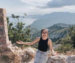 Anh apprécie la ressemblance entre Nice et sa ville de naissance, Da Nang, au Vietnam.