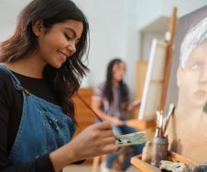 De la créativité bien sûr, mais aussi une très bonne culture sont exigées pour entrer en école d'arts plastiques.