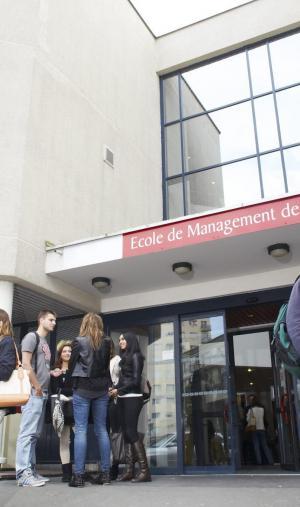 L'EM Normandie a décroché, en décembre 2016, l'accréditation EQUIS pour trois ans.
