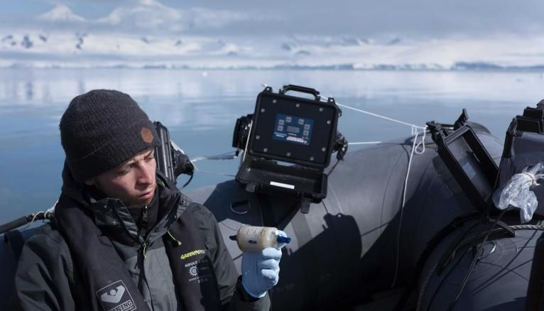 Lors de l'expédition, Nacim était responsable des manipulations d'ADN environnemental.