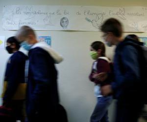 Le ministre de l'Éducation nationale, Jean-Michel Blanquer, souhaite qu'un temps de présence des élèves de 50% soit maintenu.