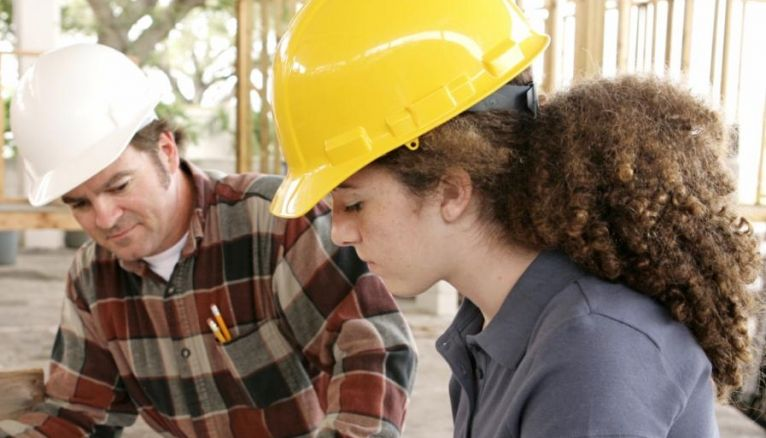 Sept apprentis sur 10 accèdent à l'emploi six mois après la fin de leur contrat en alternance.
