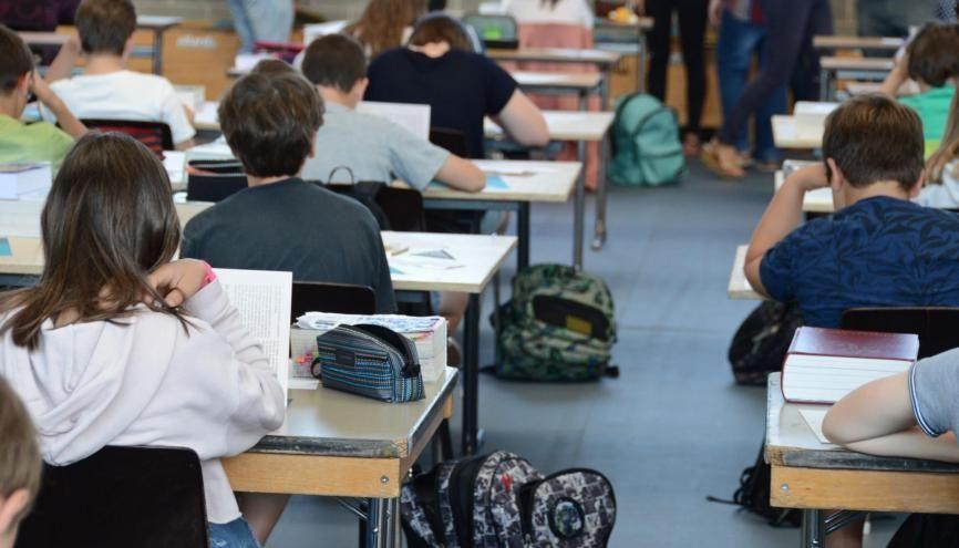 Les commissions d'harmonisation devront, cette année, juger les différences de notation entre les lycées. //©Adobe Stock/JeanLuc