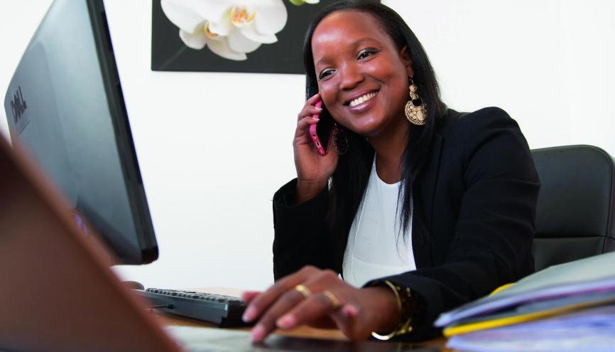 lodie assistante de direction la bonne humeur au travail est essentielle l 39 etudiant. Black Bedroom Furniture Sets. Home Design Ideas