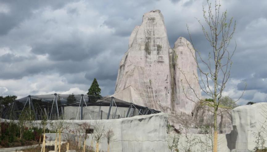 Le rocher du zoo de Vincennes. //©Virginie Bertereau
