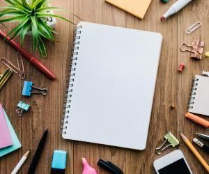 Pour bien travailler à la maison, commencez par organiser votre espace de travail.