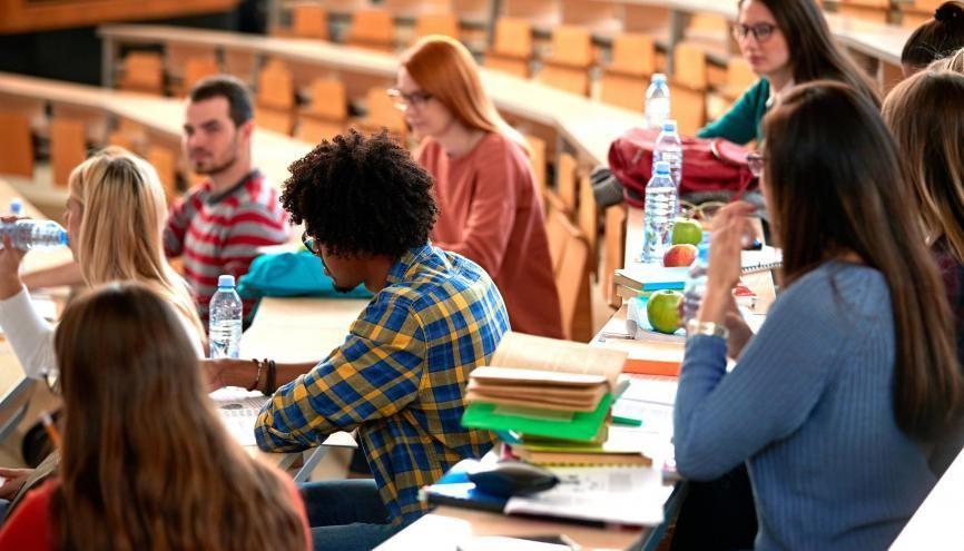 Les universités prévoient de renforcer les dispositifs d'accompagnement des étudiants en cette rentrée particulière. //©luckybusiness/Adobe Stock