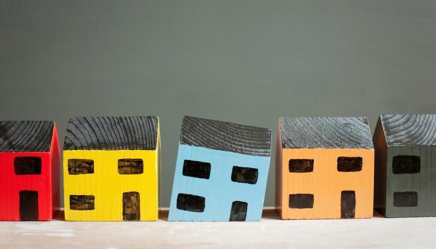Immobilier d'entreprise, logement privé ou social… Le marché est vaste et diversifié. //©plainpicture/Image Source/Ian Nolan