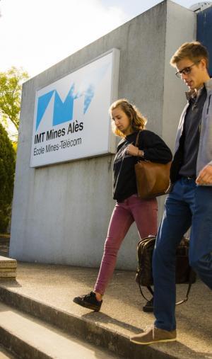 Près de la moitié des étudiants de IMT Mines Alès sont en alternance.