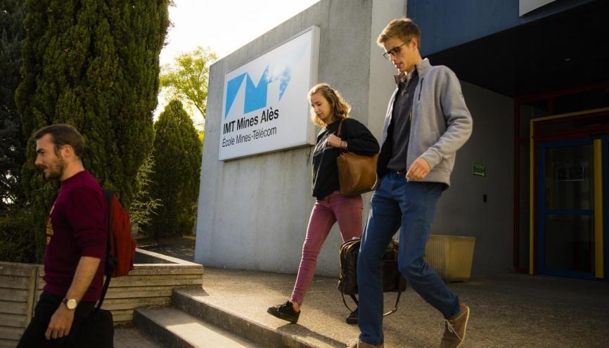 Près de la moitié des étudiants de IMT Mines Alès sont en alternance. //©Gilles Lefrancq / IMT Mines