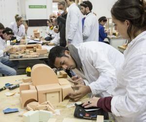 L'École de design Nantes-Atlantique est une des rares à avoir investi le terrain de l'international. Ses étudiants peuvent suivre une partie de leur cursus en Chine, en Inde ou au Brésil.