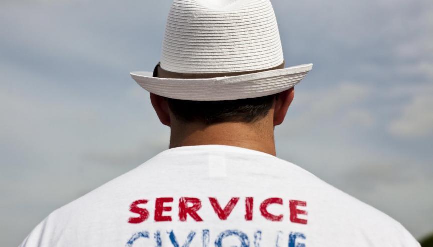 Le service civique va s'ouvrir à de nouveaux viviers,  comme les entreprises de l'économie sociale et solidaire ou encore les sapeurs-pompiers. //©Marta Nascimento / R.E.A