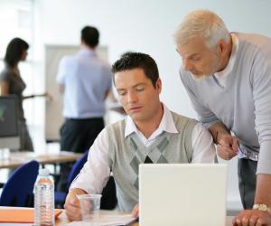 Les futurs apprentis ont jusqu'à trois mois après l'entrée en formation pour trouver une entreprise d'accueil.