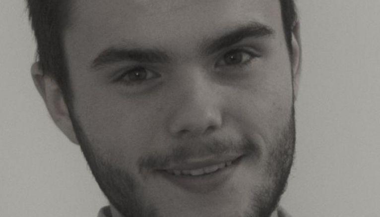 Paul, 19 ans, étudiant en DUT GEA, prépare les admissions parallèles des écoles de commerce.