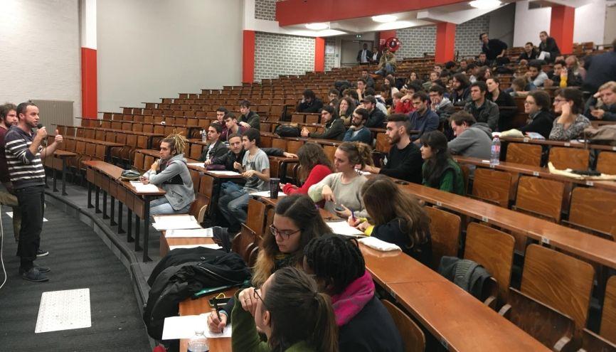 À l'université Paris 1 Panthéon-Sorbonne, étudiants, personnels et enseignants se sont mobilisés conjointement. //©Catherine de Coppet