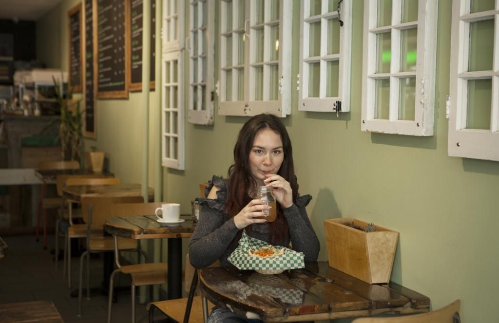 Audrey s'est habituée aux particularités locales telles que l'obligation de laisser un pourboire au restaurant. //©Bertrand Carrière/Agence VU pour l'Etudiant