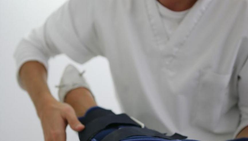 Le cursus qui mène au diplôme de masseur-kinésithérapeute devrait durer cinq ans minimum. //©Phovoir