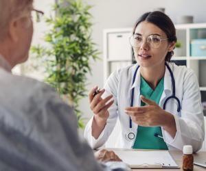 Quand vous démarrez des études de santé, le chemin est encore long avant de faire des consultations.
