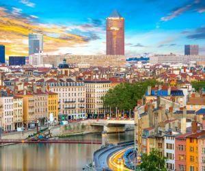 Lyon est la capitale de la région Auvergne-Rhône-Alpes et accueille 200.000 étudiants.
