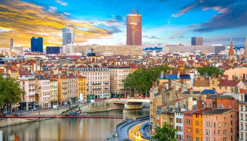 Lyon est la capitale de la région Auvergne-Rhône-Alpes et accueille 200.000 étudiants. //©Adobe Stock/Alexi Tauzin
