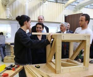 La ministre de l'Éducation nationale, Najat Vallaud-Belkacem, présente les nouveaux campus des métiers au lycée des métiers Le Garros, à Auch (32).