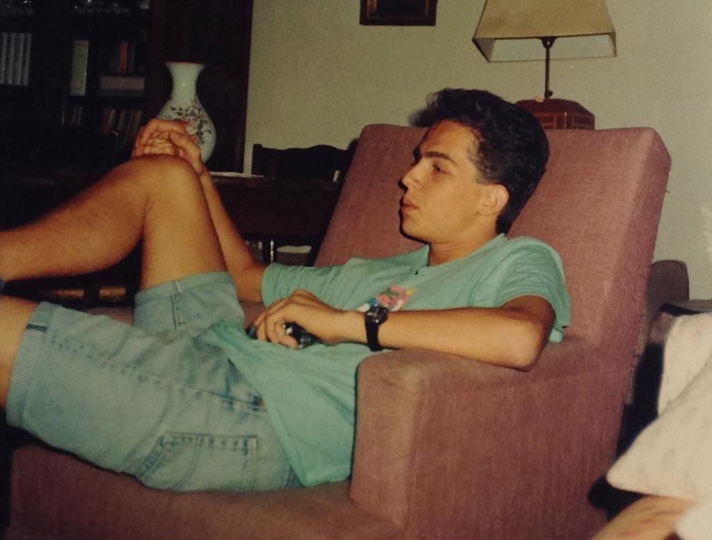 En 1986, Antoine a 17 ans. Avec sa mère, il s'installe à Paris. En terminale, malgré son passage dans deux lycées, il rate le bac. Il est en pleine crise d'adolescence… à retardement. //©Photo fournie par le témoin