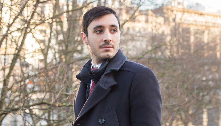 Devenir actuaire, pour Aurélien, était un défi intellectuel : il connaît tous les aspects du risque en assurance. //©Julie Balagué pour l'Étudiant
