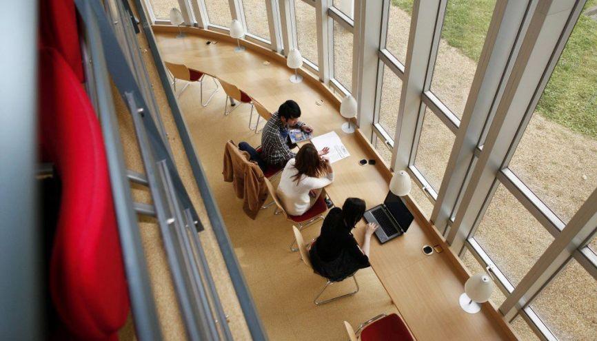 L'ESSCA est l'une des trois grandes écoles recrutant après le bac via le concours Accès. //©ESSCA