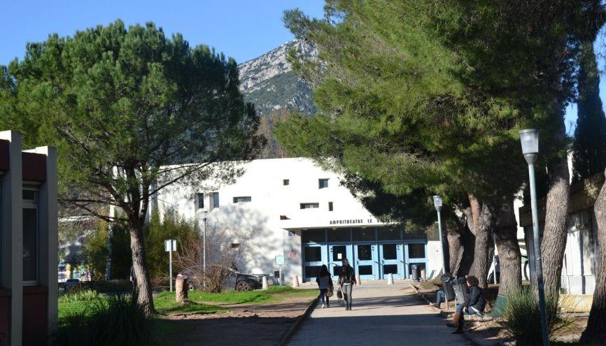 L'université de Toulon en tête du palmarès des facs qui font progresser la réussite de leurs étudiants en licence pro. //©Isabelle Dautresme