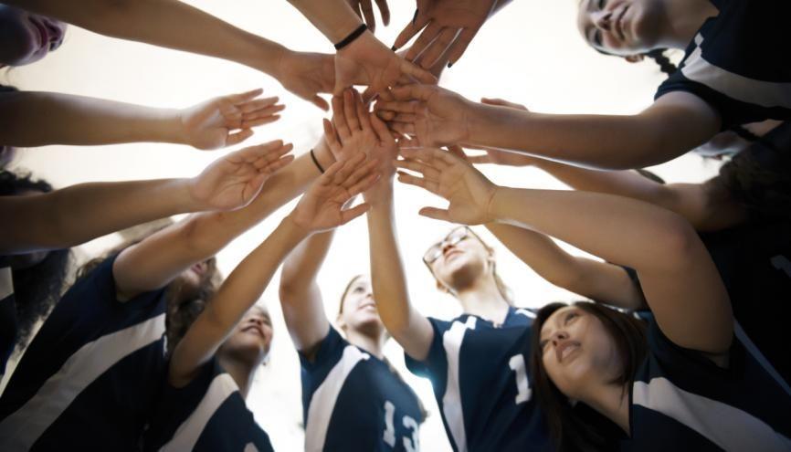 La pratique d'un sport collectif : une bonne façon de gagner de spoints pour Parcoursup ! //©plainpicture/Cavan Images/Andrew Lipovsky