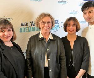 Astrid (à gauche) a été recrutée avec Juliette et Nicolas par la ministre du Travail, Muriel Pénicaud, pour assurer la promotion de l'apprentissage auprès des jeunes.