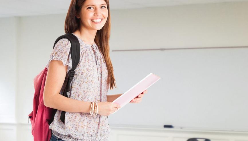 Les professeurs donnent les caractéristiques des fournitures souhaitées, mais les familles peuvent acheter le modèle de leur choix. //©Shutterstock