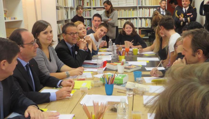 François Hollande, à la rencontre de jeunes des ateliers d'écriture du Labo des histoires //© VB. //©Virginie Bertereau