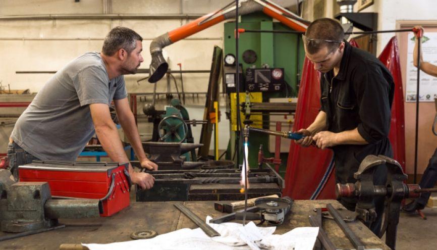 CAP ferronnerie au Lycée des métiers d'art Pasteur, à Nice. //©lbane NOOR/REA