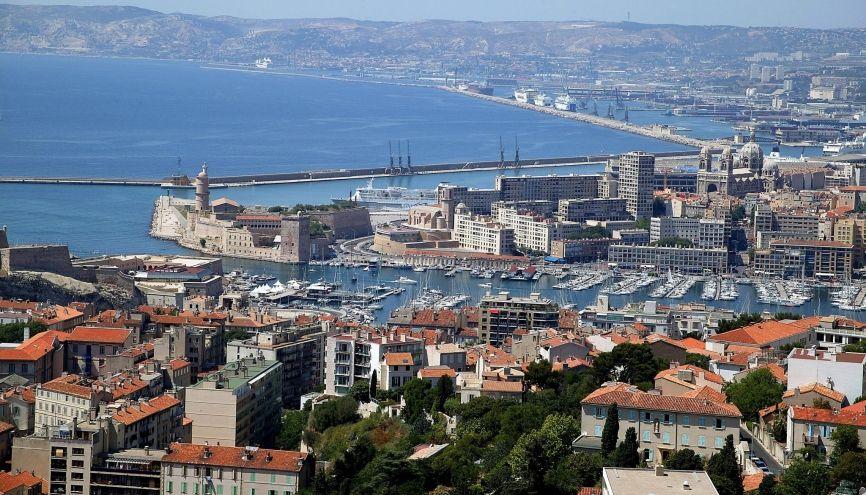 L'entrée du Vieux-Port, à Marseille. //©Phovoir