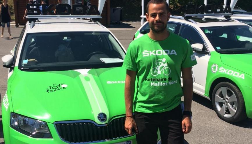 Sacha, 21 ans, étudiant en école de commerce à Paris, chauffeur Skoda sur le Tour de France 2015. //©Photo fournie par le témoin