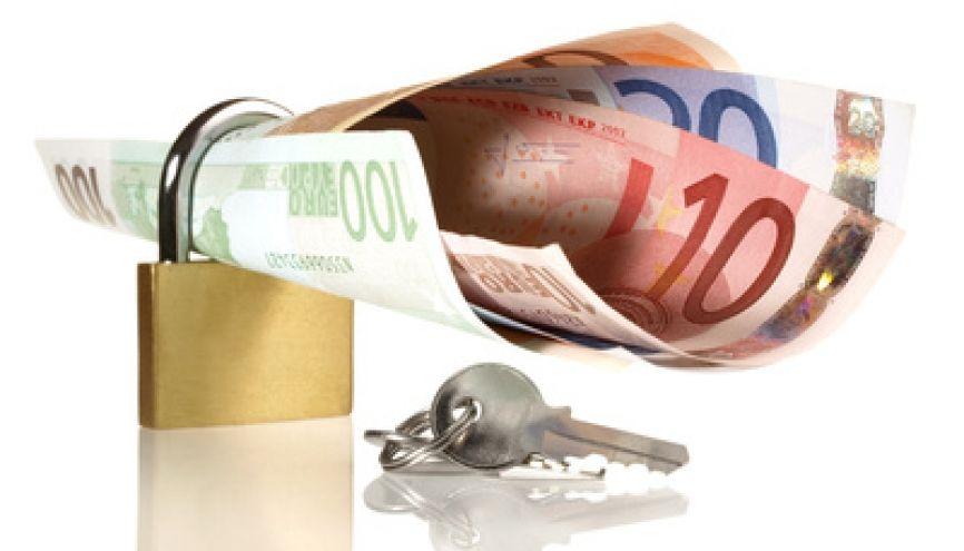 Ne pas négliger votre budget assurance tout en restant dans le raisonnable, un véritable casse-tête administratif. //©Fotolia