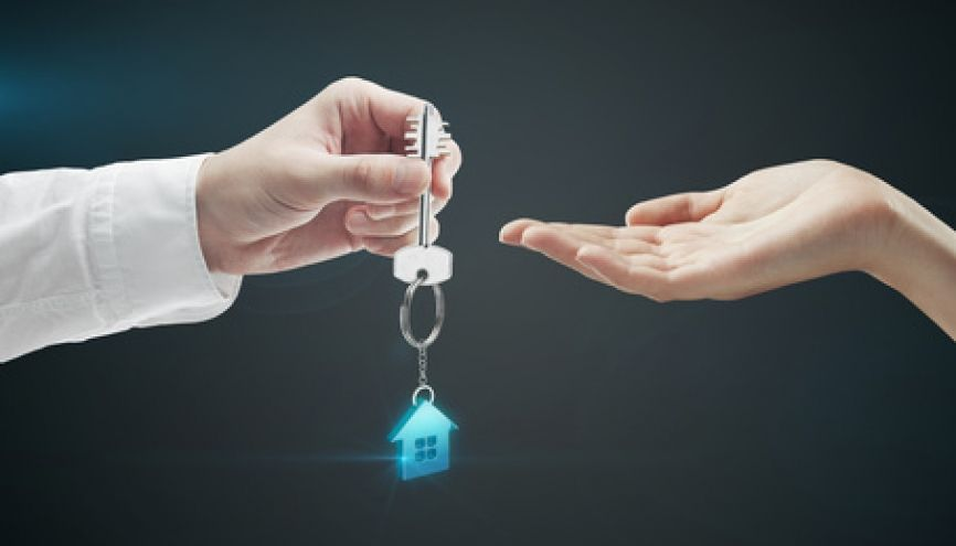 L'agent immobilier est en relation avec les vendeurs, les acquéreurs, les bailleurs, les locataires… //©Fotolia
