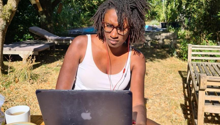 Claire, développeuse web, a trouvé son contrat d'apprentissage en mettant en avant sa détermination et la singularité de son profil. //©Photo fournie par le témoin