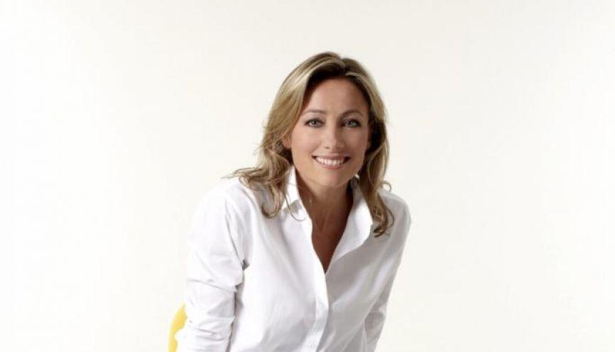 Anne-Sophie Lapix - présentatrice Dimanche + //©Remy Cortin