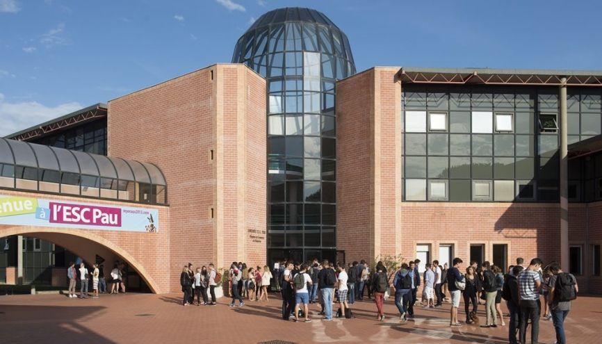Les titulaires de bac STMG représentent 45 % des étudiants recrutés en 2017. //©Luc Hautecoeur /ESC PAU