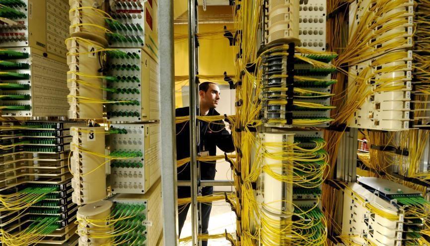 La fibre optique sera à l'origine de 7.500 embauches en 2021. //©Patrick ALLARD/REA