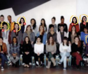 Les élèves de la terminale ES 2012-2013 du lycée de Villaroy, à Guyancourt (78).