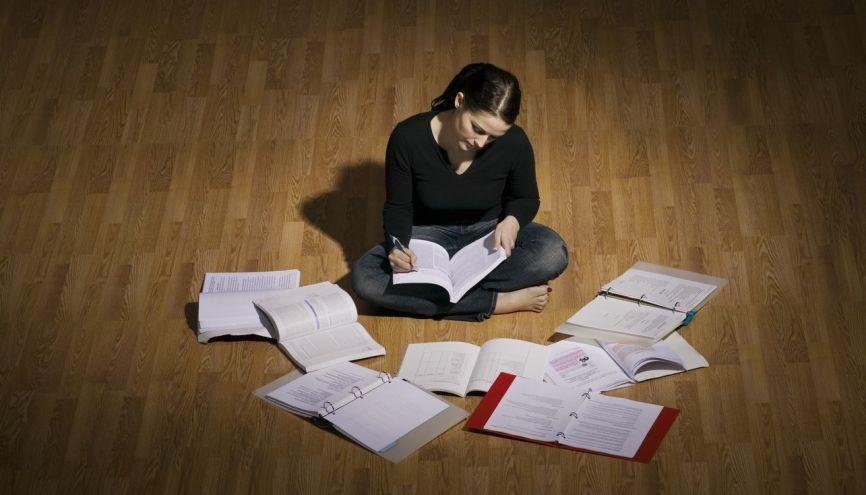 sujets de dissertations En plus de cette méthode gratuite, l'auteur propose, à titre payant, des sujets de dissertations avec corrigés url de référence :.