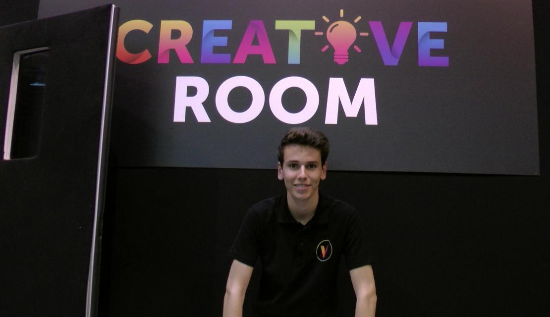 """""""Je suis un passionné d'entrepreneuriat. J'ai créé ma prmeière entreprise dès le lycée"""". Grégoire, 20 ans, étudiant à l'université Paris Dauphine créateur de Itechcase //©Etienne Gless"""