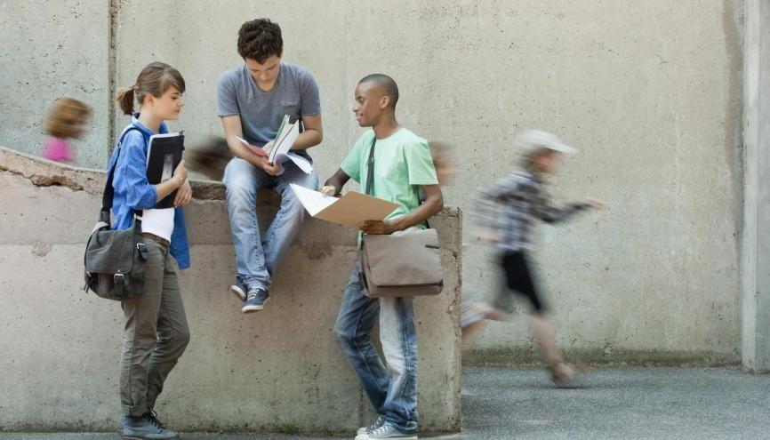 Liberté d'association, de réunion : les droits du lycéen sont inspirés de ceux du citoyen dans une démocratie. //©plainpicture/PhotoAlto/Odilon Dimier