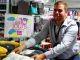 Thomas, 22 ans, en contrat de professionnalisation au magasin Tati Reuilly-Diderot, prépare une licence professionnelle management du point de vente. //©Etienne Gless