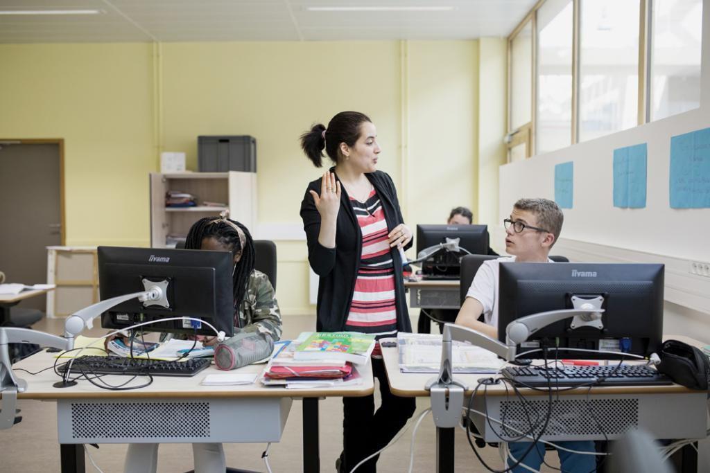 La salle de classe d'Henry est très bien équipée. Ce sont les enseignants qui se déplacent, pas l'inverse.  //©Théophile Trossat pour l'Etudiant