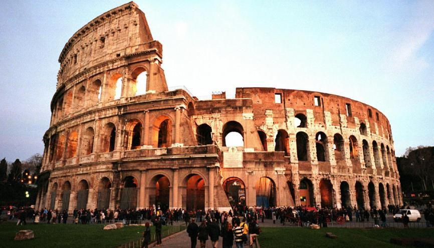 Étudier le latin peut aussi permettre de partir en voyage scolaire à Rome ! //©Rainer UNKEL/REA